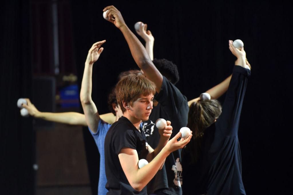 ACADEMIE DE L'UNION. Stage jonglage Elsa Guérin. Le Sirque à Nexon. 26 05 2017 ©Tristan Jeanne-Valès